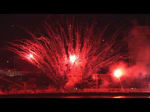 Màn trình diễn pháo hoa của đội Mỹ đêm chung kết