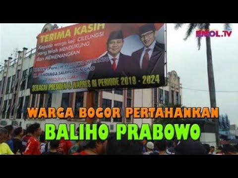 Warga Bogor Pertahankan Baliho Prabowo