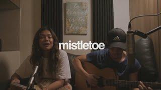 Download Lagu Mistletoe - Justin Bieber (cover)   Reneé Dominique feat. Dave Lamar Mp3