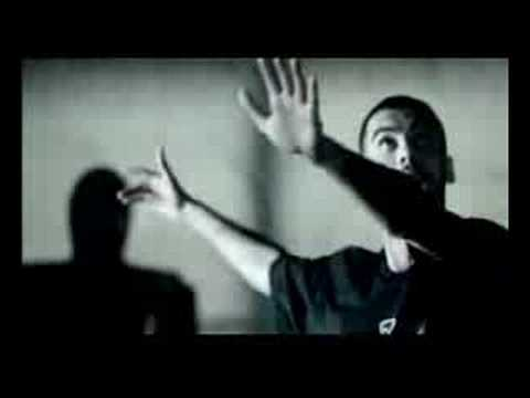 Banned Commercials - Nike - Fooballer vs ninjas
