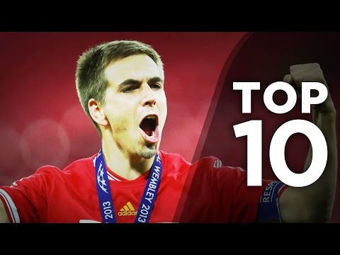 10 Most Versatile Footballers In The World!