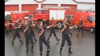 Flashmob od francouzských hasičů z Guern