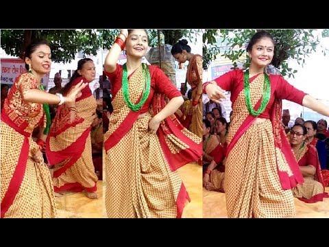 (तिज गीतमा नेपाली चेलीहरु यस्तो छमछमी नाचे । तिज आयो बरिलै । Nepali Teej Dance - Duration: 10 minutes.)