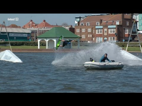 Iwan Thomas Learns to Wakeboard at Hove Lagoon