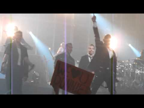 ✯ NKOTBSB Concert  - Backstreet Boys and New Kids performing Don't Turn Out The Lights