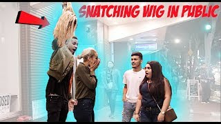 Download Video SNATCHING GIRLFRIEND'S WIG OFF IN PUBLIC PRANK! MP3 3GP MP4