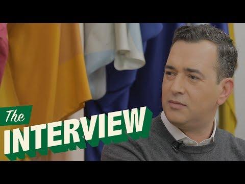 """Video - Ο Άγγελος Μπράτης μίλησε ανοιχτά: """"Τα media δεν ενδιαφέρονται για μένα επειδή είμαι gay"""""""