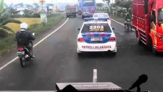 Video Rombongan 40 bis dengan kawalan polisi MP3, 3GP, MP4, WEBM, AVI, FLV September 2017