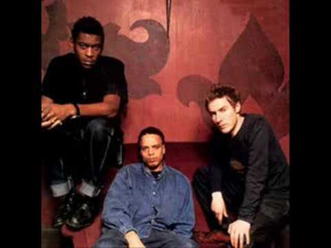 Tekst piosenki Massive Attack - Light My Fire po polsku