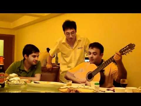 Lamim cantando em Chinês