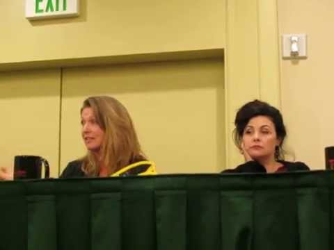 Twin Peaks panel with Sheryl Lee & Sherilyn Fenn at Seattle Crypticon - 5/23/15
