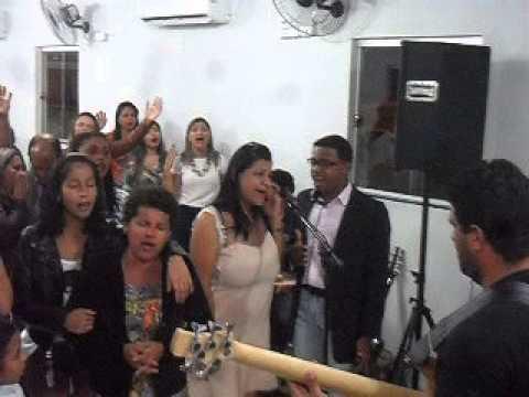 Cantora Vivyane Meendes em Agua Clara