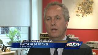 Mayor Fischer wants people to shop local with social media campaign​