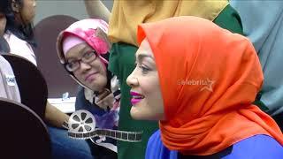 Download Video Celeb Story: Berat Badan Dewi Huges Turun Drastis!! | Selebrita Pagi MP3 3GP MP4