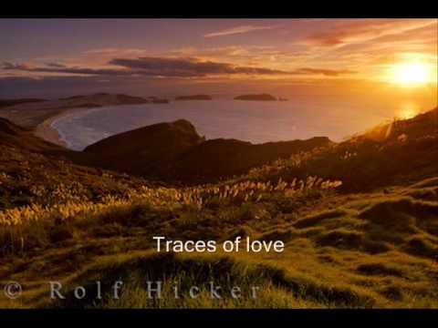 Traces - Classic IV  (Lyrics).