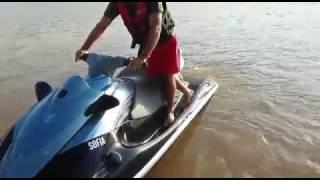 5. Yamaha vx cruiser 1100 ano 2011 na água
