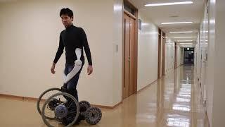 立位車いす乗降、起立・着座負荷を軽減 筑波大が支援機構(動画あり)