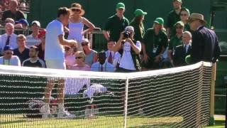 Este jueves la Federación Internacional de Tenis (ITF), anunció que el tenista ruso Daniil Medvedev, fue sancionado con una importante multa económica, esto tras el bochornoso episodio antideportivo con la juez de silla tras finalizar el partido correspondiente a la segunda ronda de Wimbledon.