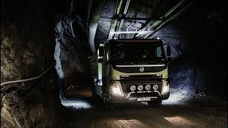 Our fully autonomous truck is the first in the world to be tested in operations deep underground in the Kristineberg Mine. The self-driving truck is part of a development project aimed at improving the transport flow and safety in the mine. The truck will cover a distance of 7 kilometres, reaching 1,320 metres underground in the narrow mine tunnels.Read more: http://www.volvotrucks.com/en-en/about-us/automation.html