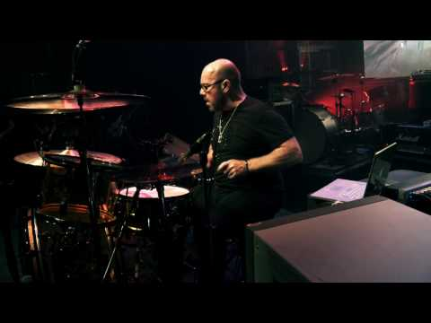 Bonham - Jason Bonham performs an emotional tribute to his father John Bonham at Guitar Center's Drum-Off 2009 finals in Los Angeles, Ca. For more information on Guit...