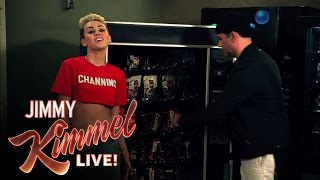 Thumbnail for Jamie Foxx, Jimmy Kimmel, Channel Tatum & Miley Cyrus — I Wanna Channing All Over Your Tatum