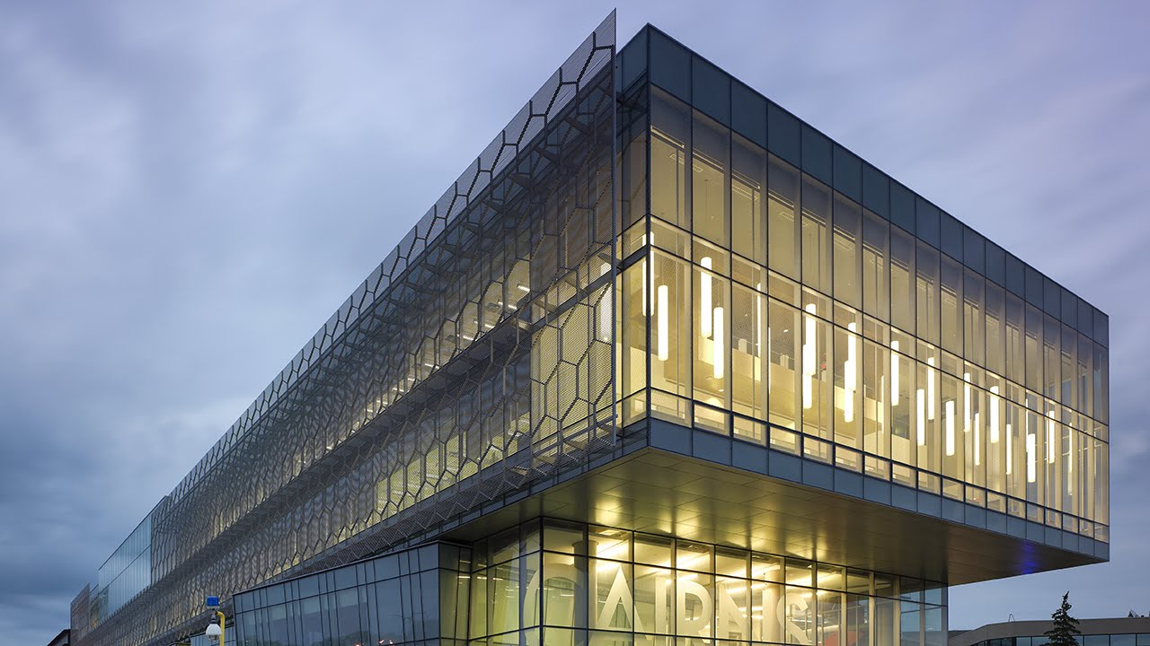 Cairns Family Health and Bioscience Research Complex
