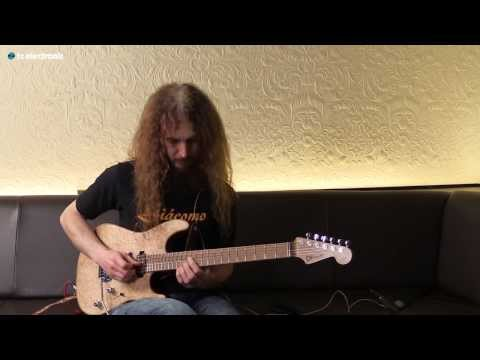 "Guthrie Govan creates his ""Bob"" loop for the Ditto X2 Looper"