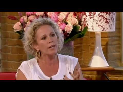 Lucy Benjamin (Lisa Fowler) interview - This Morning 3rd August 2010 (Eastenders)