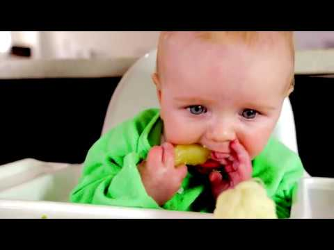 Baby-led weaning: Is gagging normal?