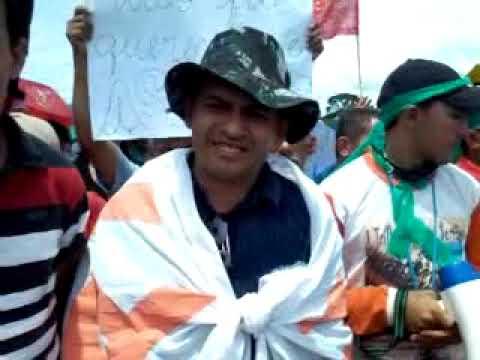 Manifestação na BR 222 na entrada de Domingos Mourão 20140310 110201