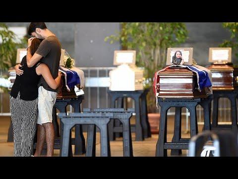 Γένοβα: Οι πρώτες κηδείες θυμάτων της τραγωδίας