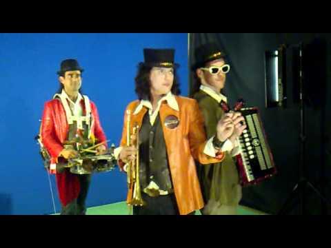 "Making Off Video Clips PHENOMENAL- ""Rodando, Rodando…"""