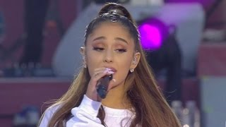 Download Lagu Ariana Grande Fights Back Tears While Speaking at One Love Manchester Benefit Concert Mp3