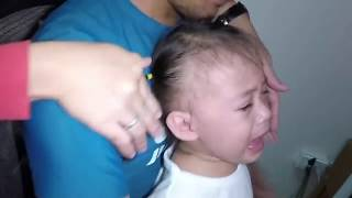 Video What's Inside Baby's Ear?  Earwax Removal?  Bugs? MP3, 3GP, MP4, WEBM, AVI, FLV Maret 2019