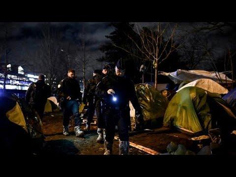 Polizei räumt erneut illegales Flüchtlingslager in Pa ...