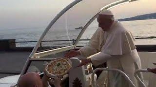 Papa'ya Napoli'de pizza sürprizi