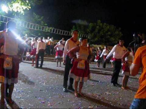 Actuação Principal das Marchas de S. Pedro Manhouce.wmv