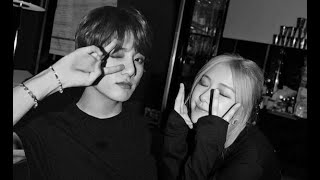 Video HOW JUNGKOOK AND ROSÉ REACTS AROUND ONE ANOTHER MP3, 3GP, MP4, WEBM, AVI, FLV Maret 2018