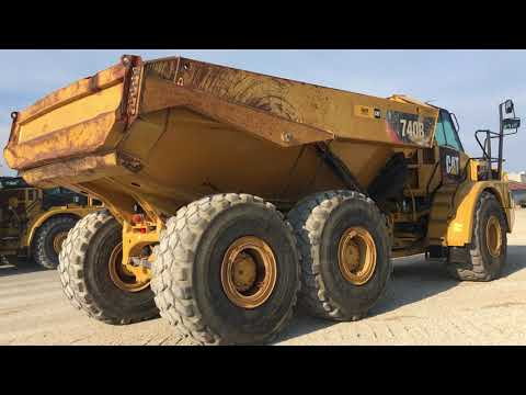 CATERPILLAR CAMINHÕES ARTICULADOS 740B equipment video uU_itUXJrZA