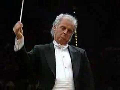 "Daniel Barenboim dirige ""El Amor Brujo"" avec the Chicago Symphony Orchestra."
