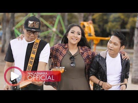 Download Lagu Caramel - Akar Peneguh (Official Music Video NAGASWARA) #music Music Video