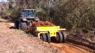Video Tractor Valtra BM125i con scraper MP3, 3GP, MP4, WEBM, AVI, FLV Januari 2019