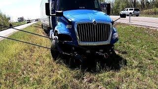 Video Car VS Semi Crash!!!  Code 3 Response MP3, 3GP, MP4, WEBM, AVI, FLV Juni 2019