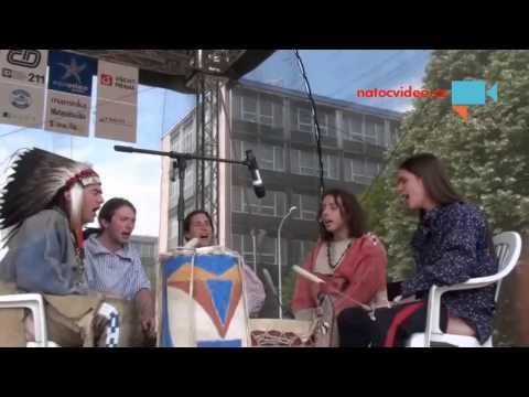 Walden Singers, kapela hrající indiánské písně pláňových kmenů severní Ameriky (2012)