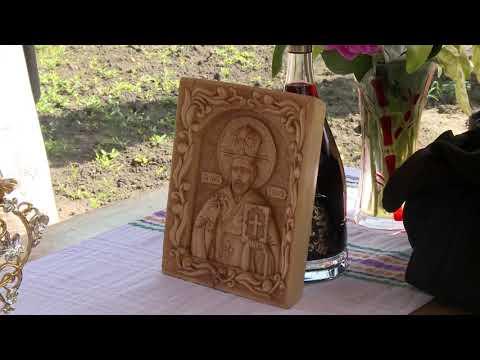 Игорь Додон принял участие в чине освящения отремонтированного колодца в село Садова