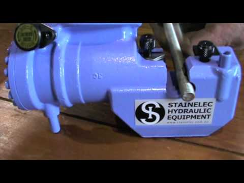 DW-408B Cordless Threaded Rod Cutter from Stainelec Hydraulic Equipment
