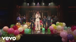Miley Cyrus - Malibu (The Tonight Show Starring Jimmy Fallon)