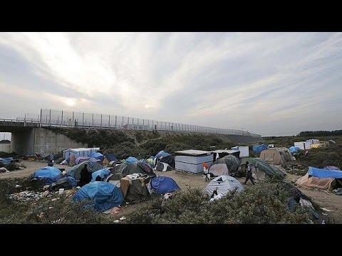 Γαλλία-Βρετανία υπογράφουν συμφωνία για το μεταναστευτικό στο Καλαί