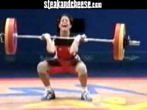 奧運舉重女選手太用力,竟然當場噴出大便!?
