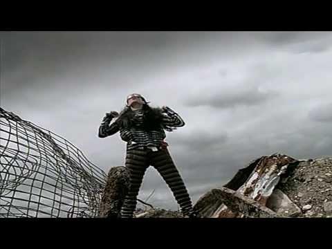 巨星傑森·史塔森非常不想要讓你看到這支在1980代拍的的超詭異MV。
